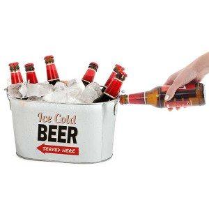 Seau à bière avec décapsuleur intégré